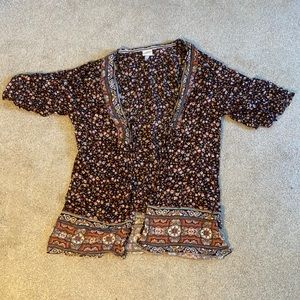 Flowered pullover
